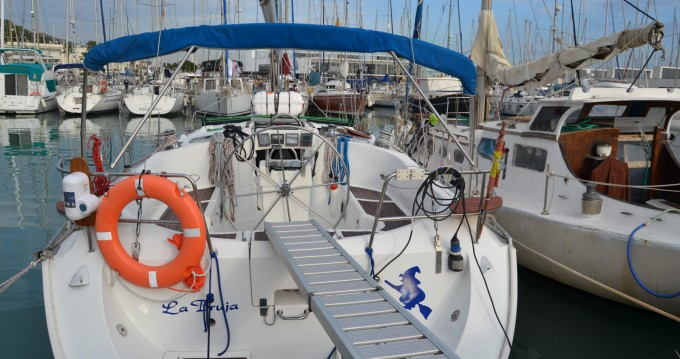 Segelboot mit oder ohne Skipper Bénéteau mieten in Castelldefels