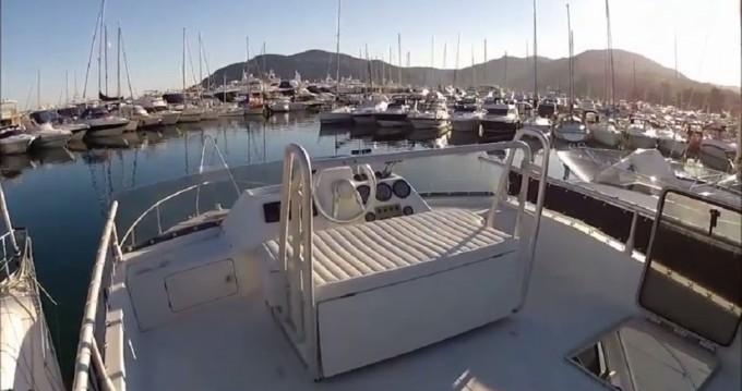 Vermietung Motorboot Ferretti mit Führerschein