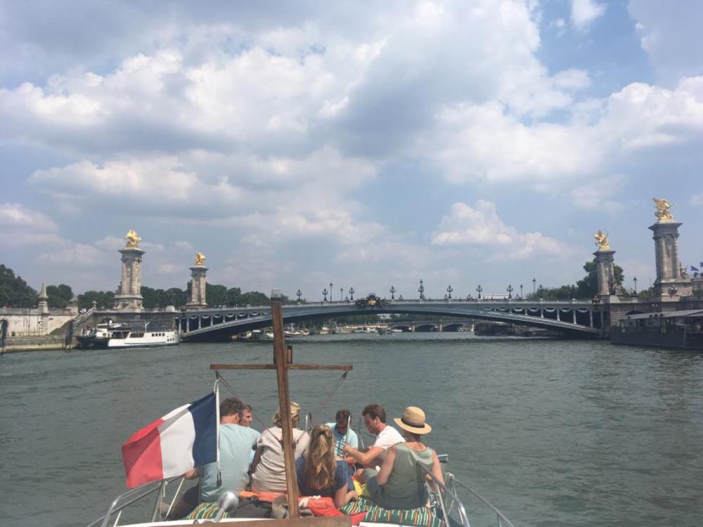 Valkkruiser 11m zwischen Privatpersonen und professionellem Anbieter Paris