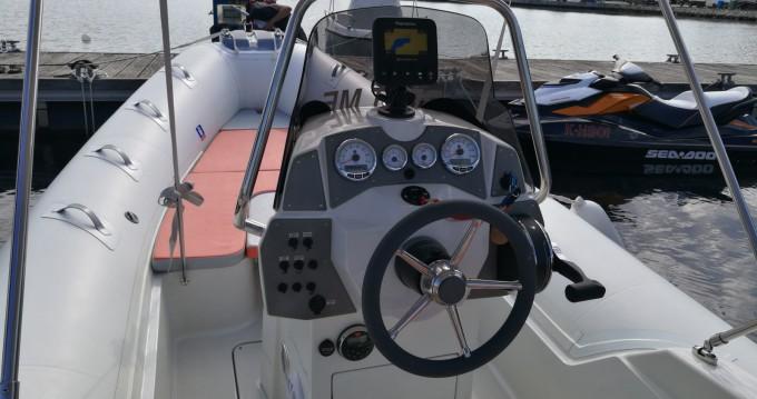 Schlauchboot mieten in Pula zum besten Preis