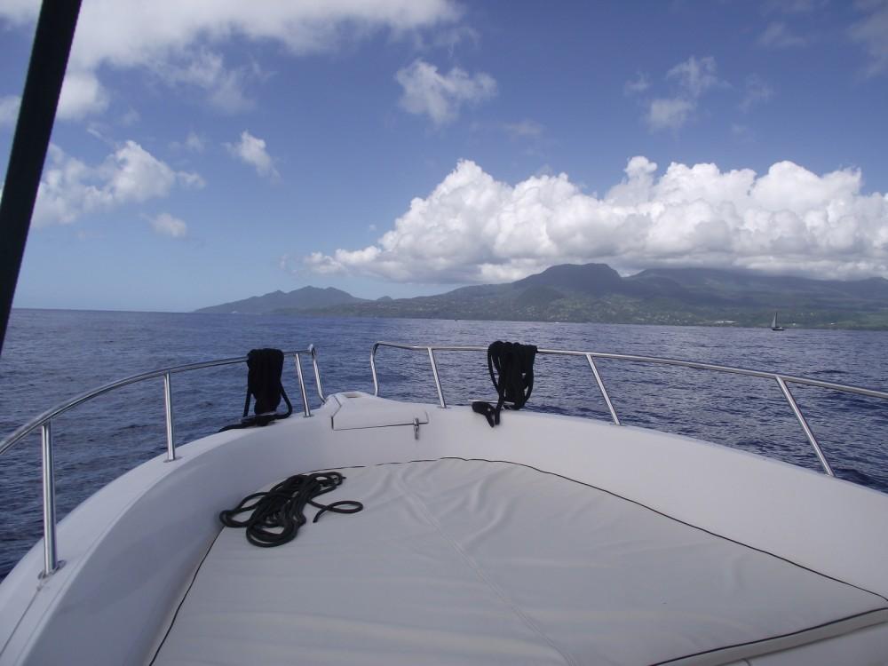 Motorboot mieten in Basse-Terre - Kelt White shark 226