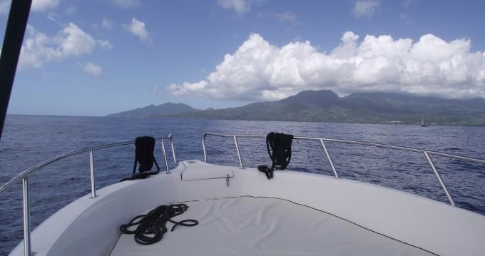 Motorboot mit oder ohne Skipper Kelt mieten in Basse-Terre