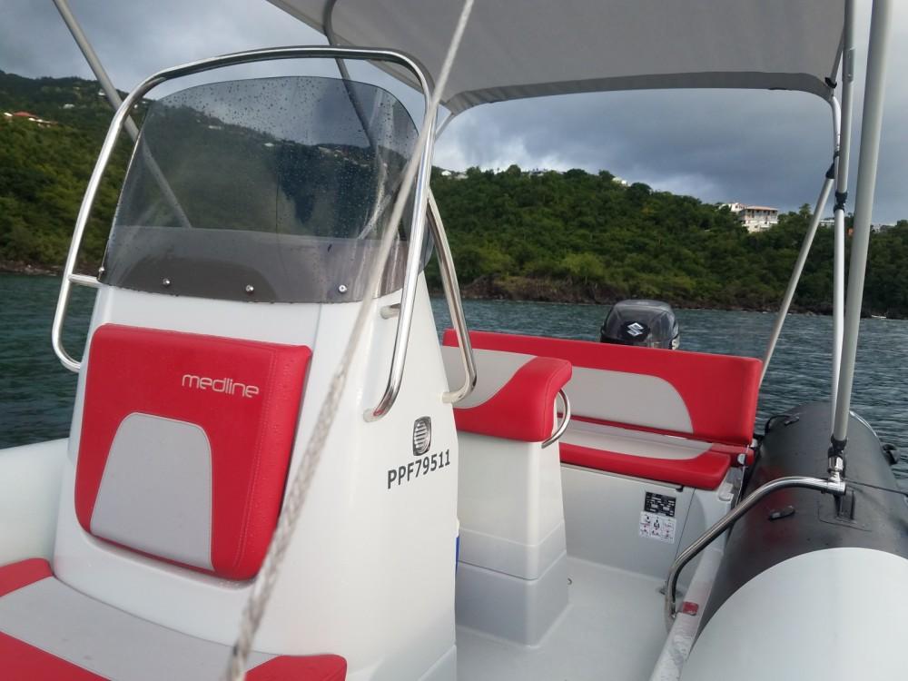 Schlauchboot mieten in Basse-Terre zum besten Preis