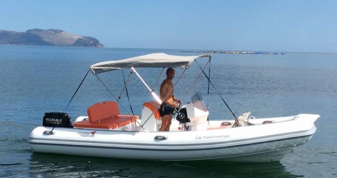 Ein Motonautica-Vesuviana 18 technology mieten in Olbia