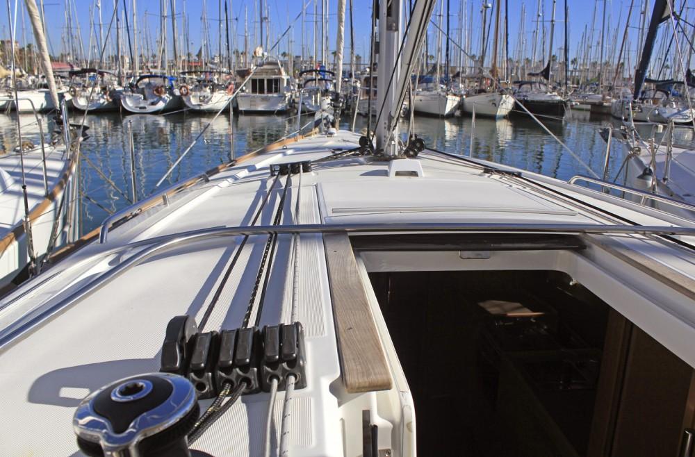 Bootsverleih Bénéteau Oceanis 38.1 Barcelona Samboat