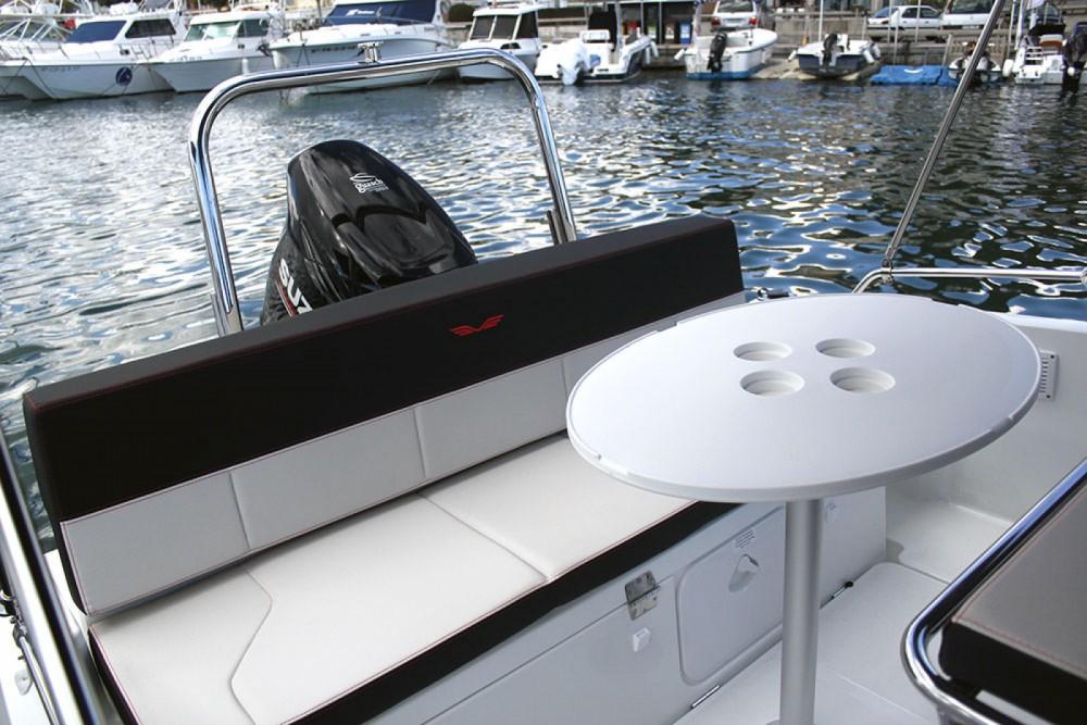 Motorboot mit oder ohne Skipper Bénéteau mieten in Cambrils