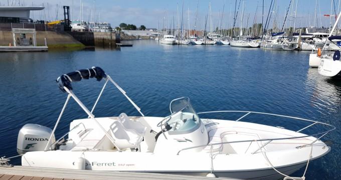 B2 Marine Cap Ferret 552 Sun Deck zwischen Privatpersonen und professionellem Anbieter Vannes