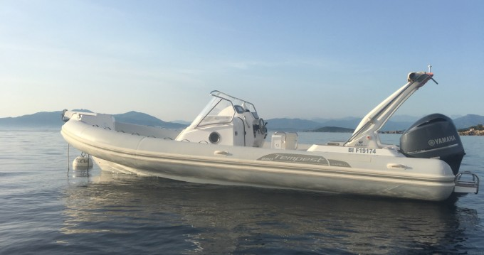 Schlauchboot mit oder ohne Skipper Capelli mieten in Coti-Chiavari