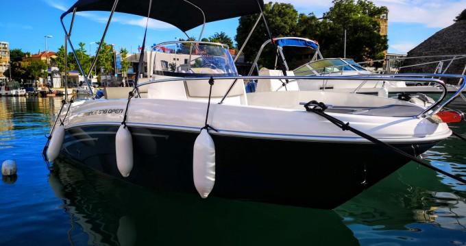 Ein AM Yacht Prince 570 Open mieten in Zadar