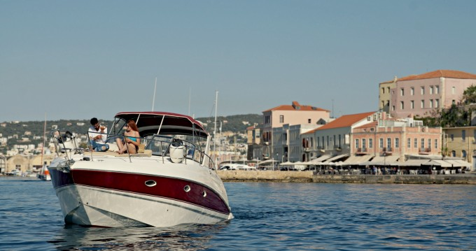 Motorboot mieten in Chania - Larson 330 Cabrio