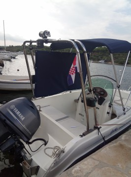 Aquamar Aquacab 460 zwischen Privatpersonen und professionellem Anbieter Šibenik