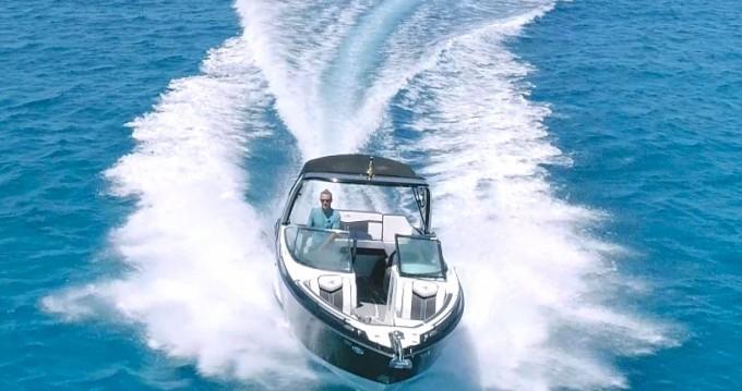 Motorboot mit oder ohne Skipper Monterey mieten in Ibiza Town