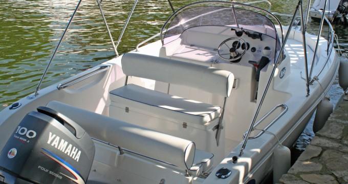 Motorboot mit oder ohne Skipper Everset mieten in Roses