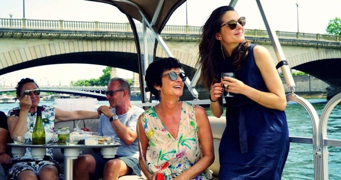 Southland Pontoon-boat zwischen Privatpersonen und professionellem Anbieter Paris