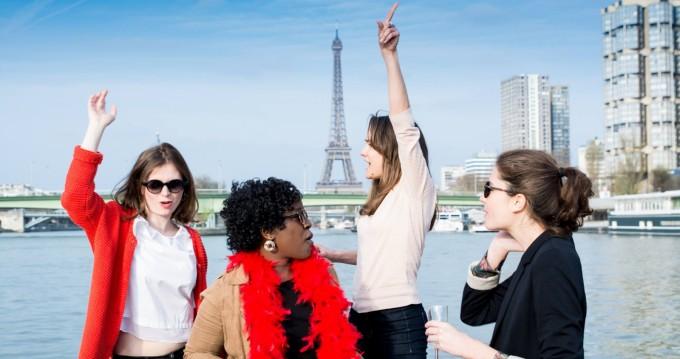 Ein Southland Pontoon-boat mieten in Paris