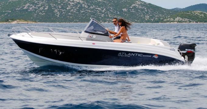 Ein Atlantic marine open 670 mieten in Makarska