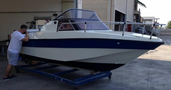 Motorboot mieten in Scarlino zum besten Preis