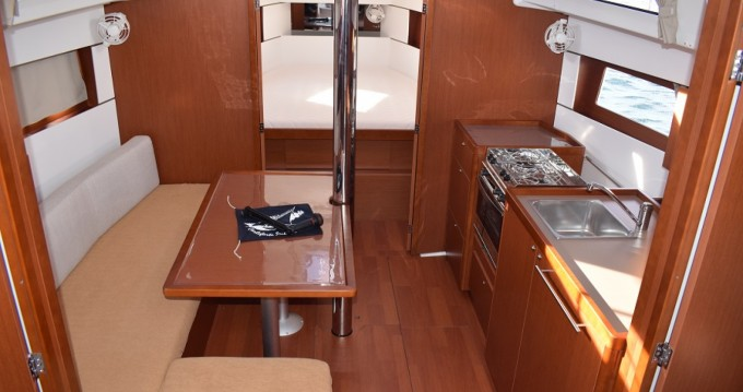 Bootsverleih Bénéteau Oceanis 38 Carloforte Samboat