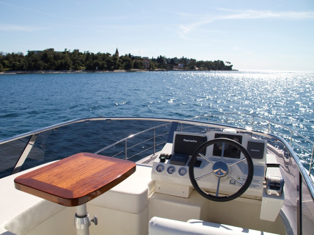 Bootsverleih Cyrus Cyrus 13.8 Flybridge ACI Marina Rovinj Samboat