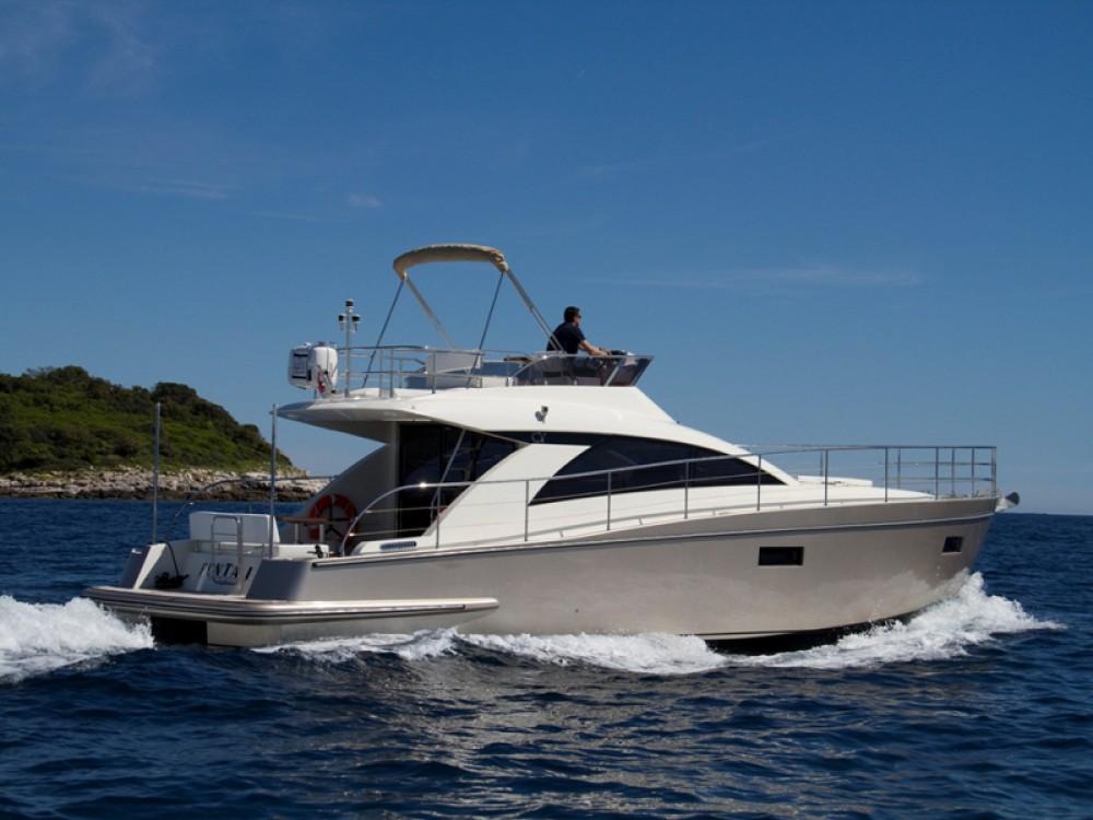 Bootsverleih ACI Marina Rovinj günstig Cyrus 13.8 Flybridge