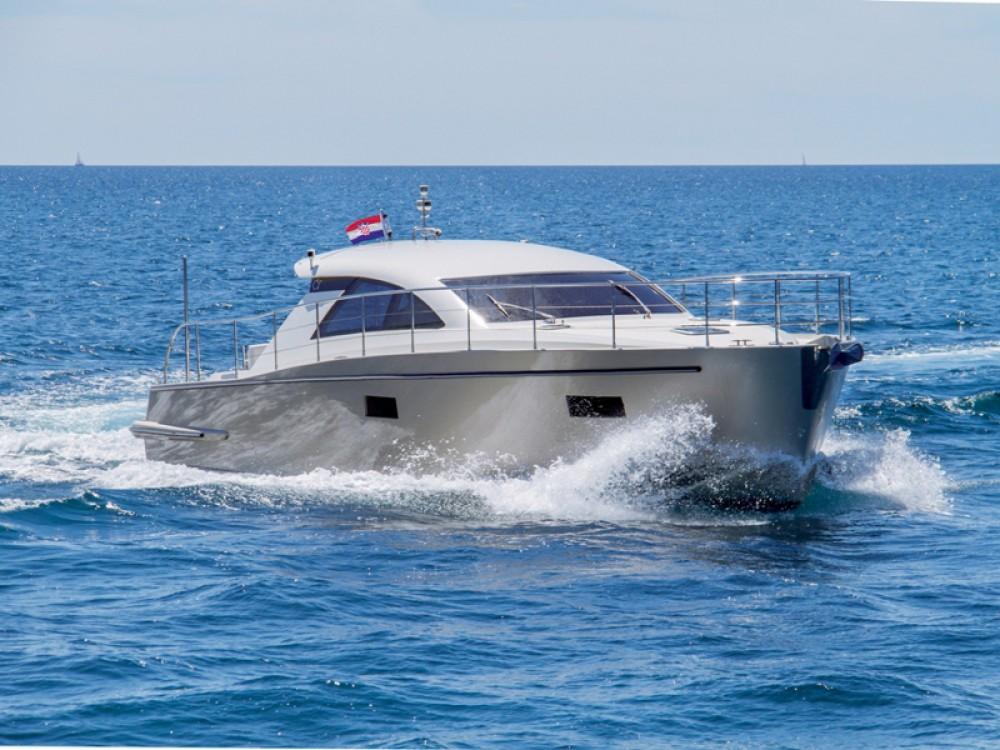 Motorboot mieten in Pula zum besten Preis