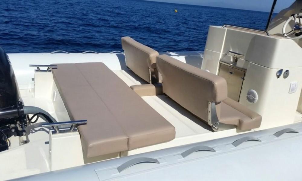 Schlauchboot mit oder ohne Skipper Scanner mieten in Salerno
