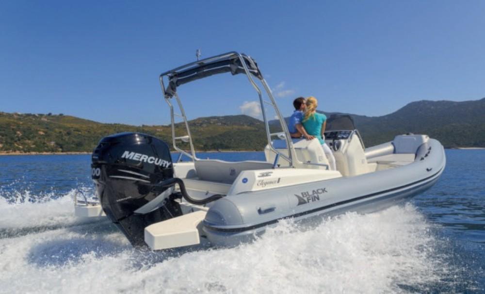 Schlauchboot mit oder ohne Skipper Black Fin mieten in La Savina