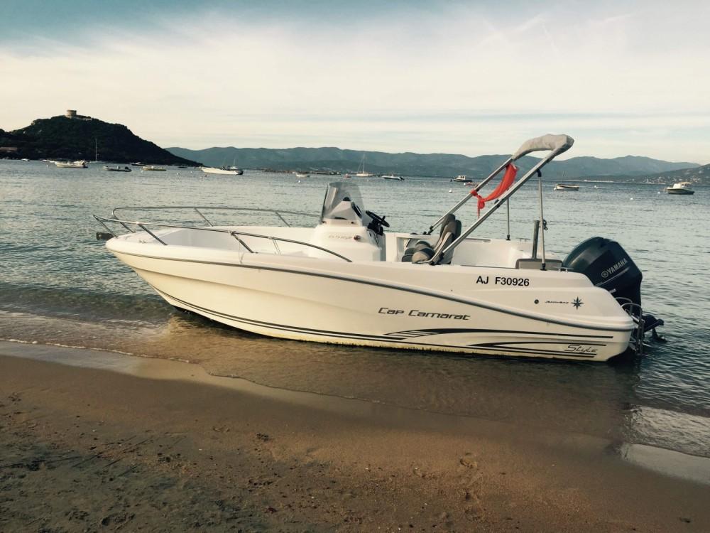 Motorboot mit oder ohne Skipper Jeanneau mieten in Belvédère-Campomoro