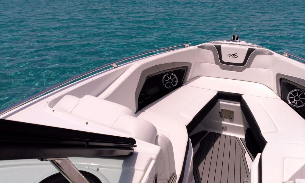 Motorboot mit oder ohne Skipper Monterey mieten in Marina Ibiza