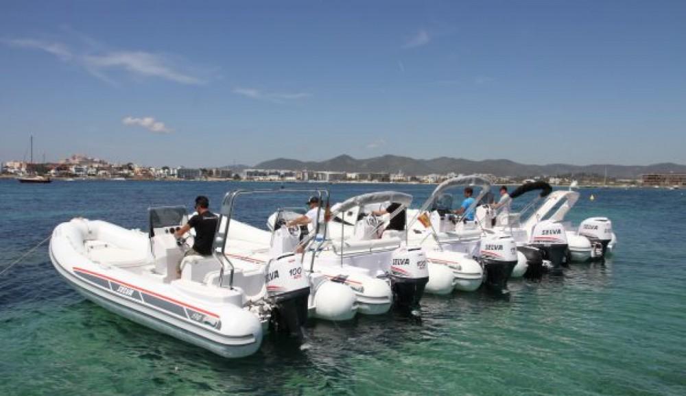 Schlauchboot mit oder ohne Skipper Selva mieten in La Savina