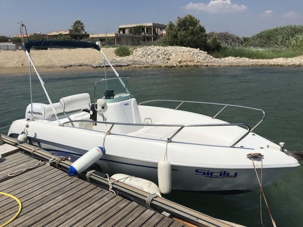 Aquamar Aquamar 17 zwischen Privatpersonen und professionellem Anbieter Avola