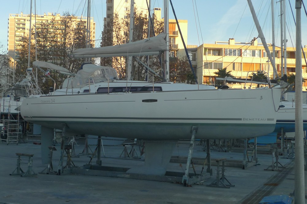 Yacht-Charter in Six-Fours-les-Plages - Bénéteau Oceanis 34 auf SamBoat