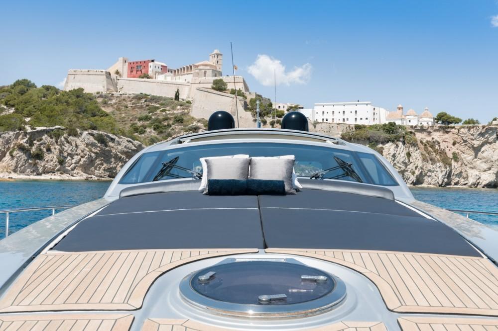Yachten mit oder ohne Skipper Pershing mieten in Ibiza-Stadt
