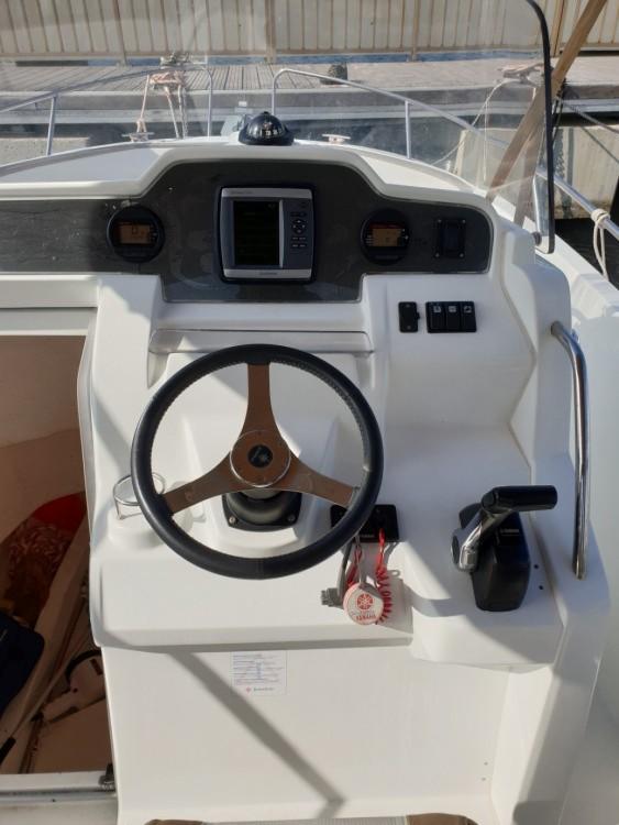Motorboot mit oder ohne Skipper Jeanneau mieten in Propriano