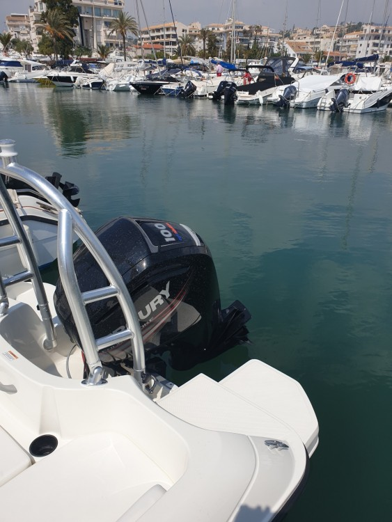 Motorboot mit oder ohne Skipper Bayliner mieten in Altea