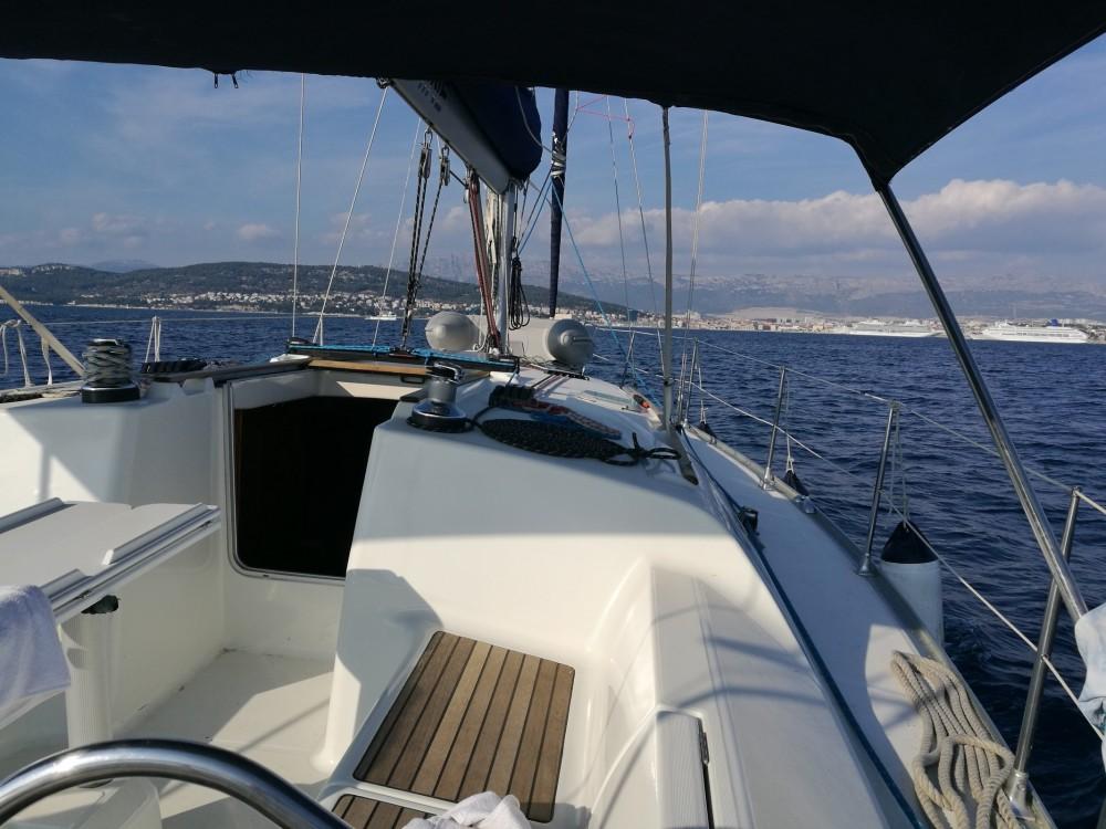 Ein Jeanneau Sun Odyssey 40 mieten in Split