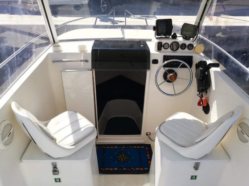 Motorboot mit oder ohne Skipper SAVER 620 WA mieten in Trau