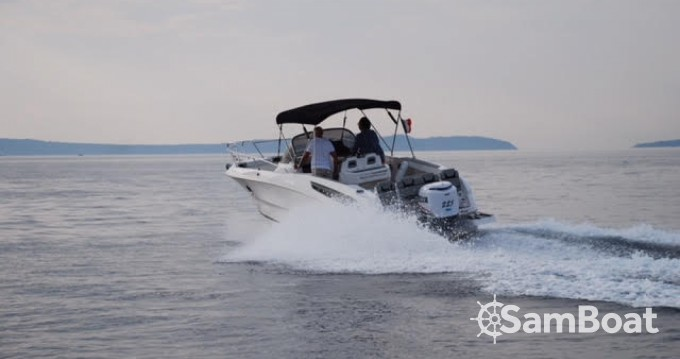 Motorboot mit oder ohne Skipper Karnic mieten in Port-Camargue