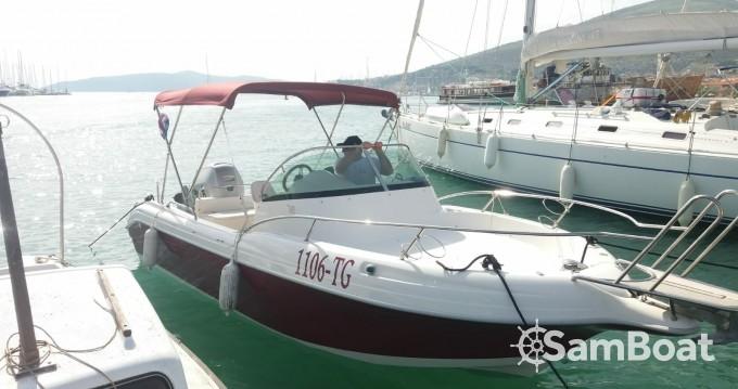 Atlantic Atlantic 650 wa zwischen Privatpersonen und professionellem Anbieter Trogir