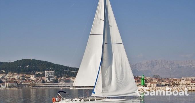 Jeanneau Sun Odyssey 43 zwischen Privatpersonen und professionellem Anbieter Split