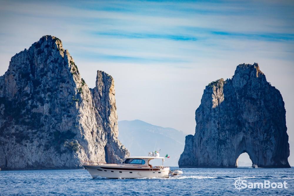Motorboot mieten in Sorrent zum besten Preis