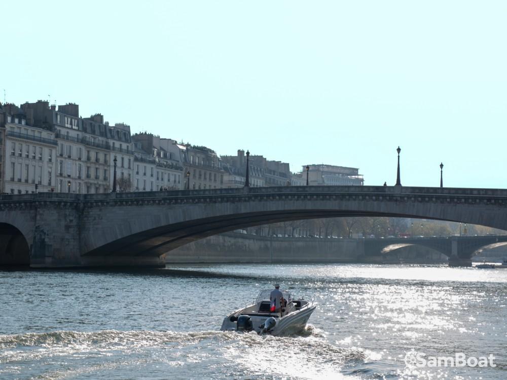 Motorboot mieten in Paris zum besten Preis