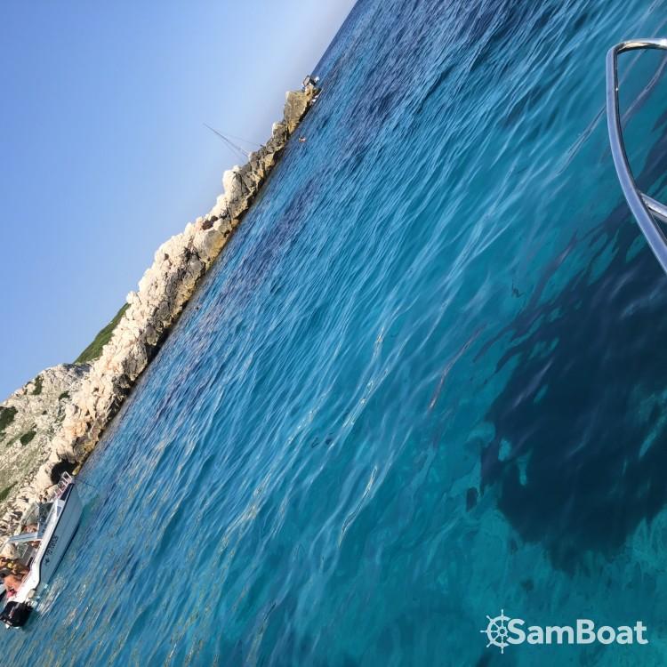 Motorboot mieten in Marseille - Quicksilver Quicksilver 675 Activ Sundeck