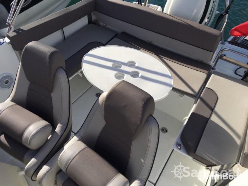 Yacht-Charter in Six-Fours les Plages - Jeanneau Cap Camarat 755 WA auf SamBoat