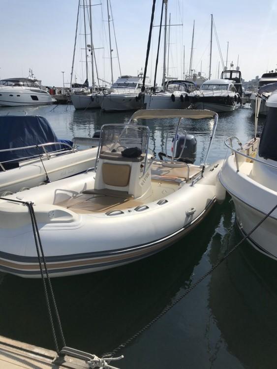 Yacht-Charter in Cannes - Zodiac Medline 650 auf SamBoat