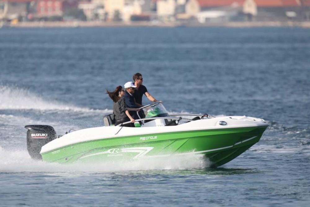 Vermietung Motorboot Rancraft mit Führerschein