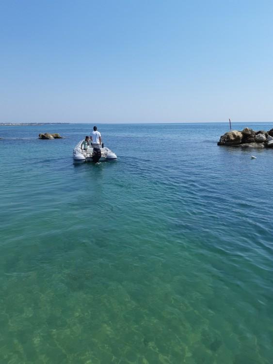 Schlauchboot mieten in Avola zum besten Preis