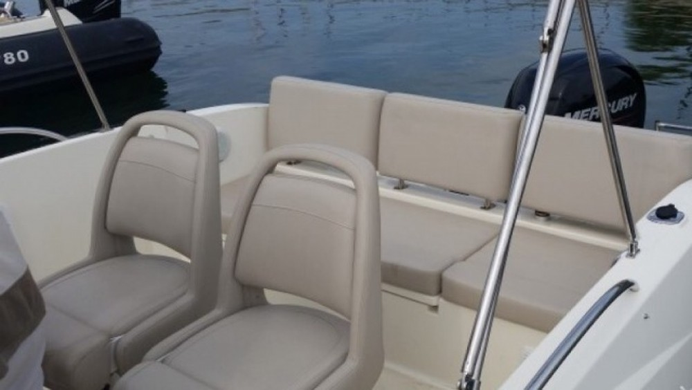 Motorboot mit oder ohne Skipper Quicksilver mieten in Mandelieu-la-Napoule