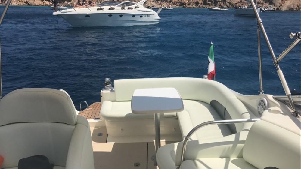 Motorboot mit oder ohne Skipper Cranchi mieten in Cannigione