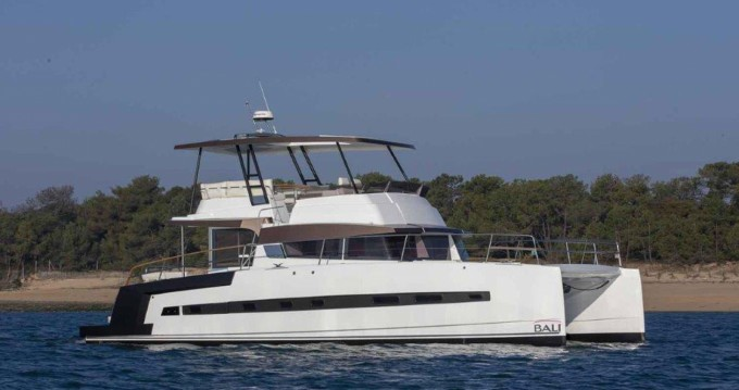 Bali Catamarans Bali 4.3 MY zwischen Privatpersonen und professionellem Anbieter Ibiza Island